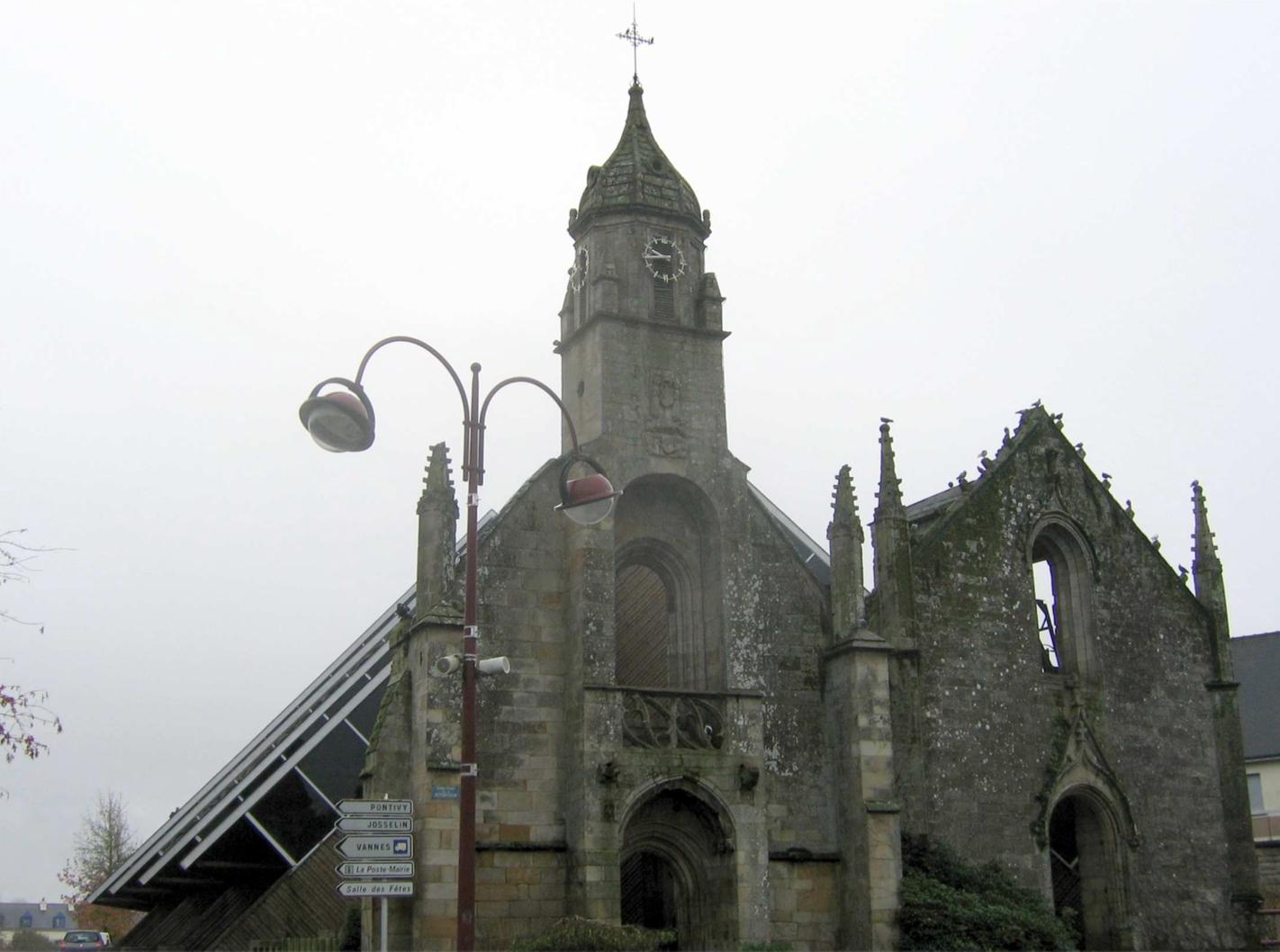 Locmine-eglise-facade