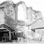 Ruines de l'ancienne église Saint Colomban