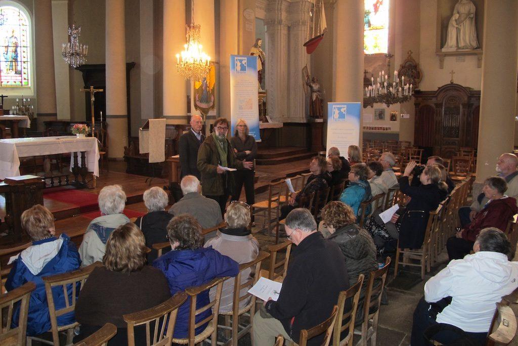 Rencontre à l'église de Saint-Coulomb