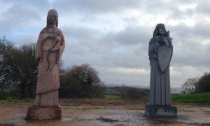 Nouvelles statues pour l'entrée du site