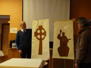 Présentation des voiles de l'ex-voto saint Colomban