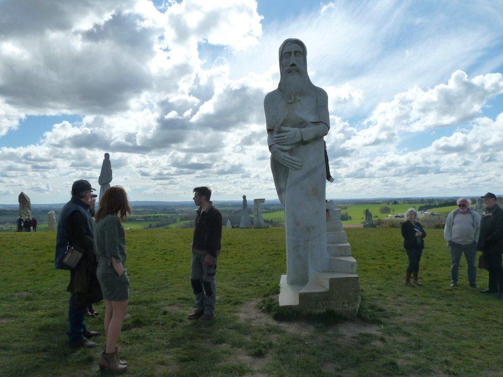 statue-site